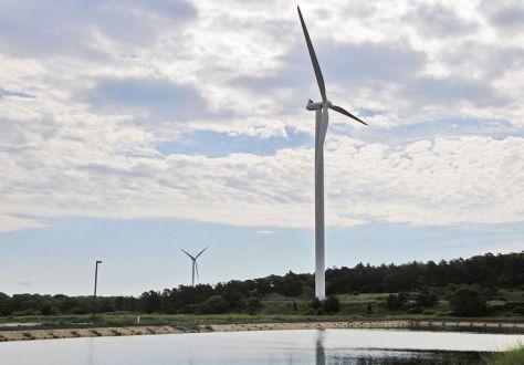 falmouth wind turbines 3