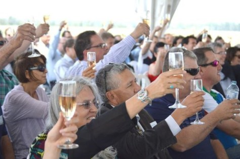niagara wind open house champagne cheer